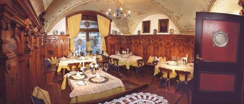 Hotel Neuhaus, Mayrhofen, Austria - Restaurant dining room.jpg